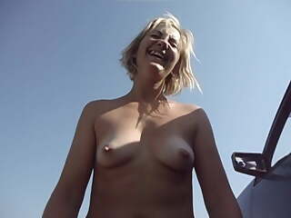 Svetlana violently finishes outdoors
