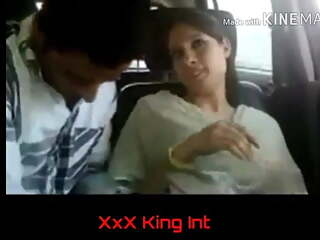 Pakistani girl handcore in car