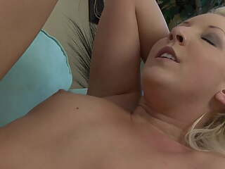 Curvy College Student Fine Arts Big Dick Photographer Slut