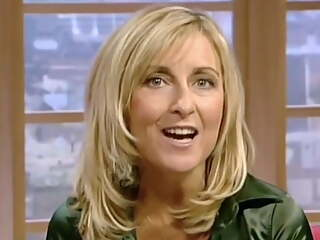 Old Skool Fuckable MILF Fiona Phillips Sexy Cleavage