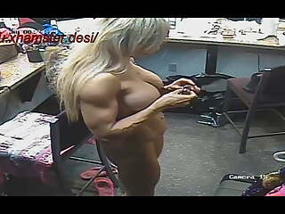 Bodybuilder stripper and her anal hole