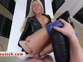 GERMAN MILF ANAL AND PISS