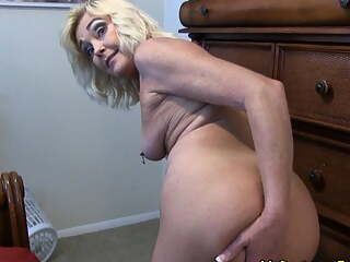 Mommy Gets Her Son Off with Her ASS and PUSSY