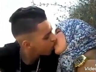 arab bitch kissing