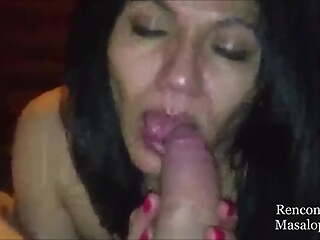 Arab mom sucks cock and rubs her face with it