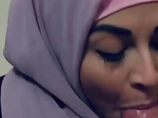 Super Beautiful Hijab Girl sucking and Jerking
