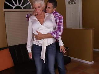 Cougar Lexy gets nice fuck from a young guy