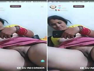 Today Exclusive - Hot Desi Bhabhi Gives Private Show...