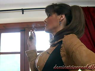 Dominatrix Annabelle has sex with valet 7