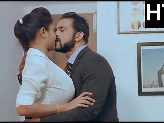 Sexi bhabhi has romance with her boss
