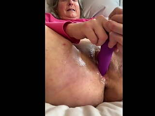 Mature Mom Oozes Creamy Female Cum While She Toys Her Very Wet Pussy