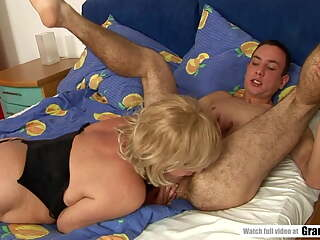 Chubby Mature Does Rimjob Before She Hops On His Young Dick