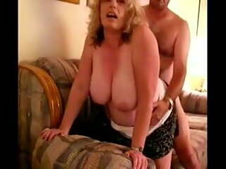 BBW housewife in homemade doggystyle porn