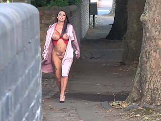 Rara Curves - Street Flashing in Cheltenham