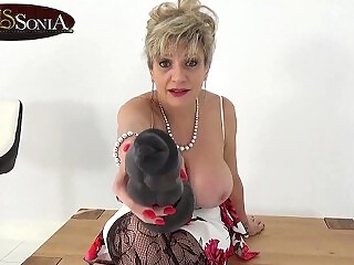 Big titty mature Lady Sonia wants to see you suck cock
