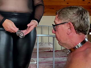 Dominatrix Mistress April – Slave's Morning Duties