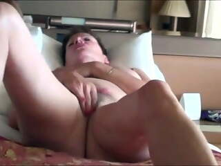 71 yr old Gilf cums so hard and loud that she shakes the cam