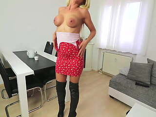 I fucked a German MILF in the Ass for the First Time - It is Hot