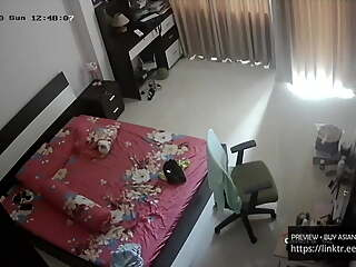 Singapore mom masturbates on ip camera