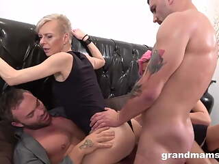3 Czech bisexual swinging cougars anal, DP