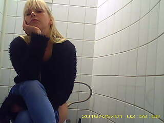 nice wives pee, spycam, frontview, unpixeled, true spy