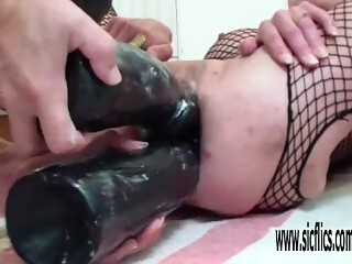 Double dildo fucking her destroyed holes
