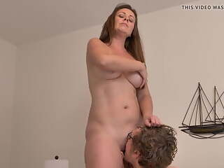 Mature got missionary & doggystyle from young man