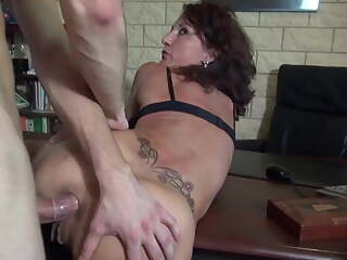 Crazy mom gets fisting and anal taboo sex from her stud
