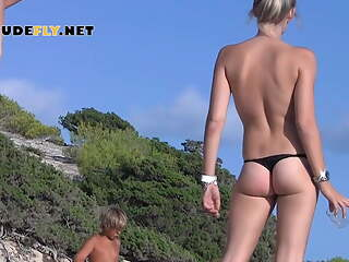 A sunny day at the nude beach. Enjoy and look what I saw