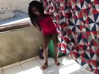 Tunisian pussy takes cock in broad daylight in the laundry