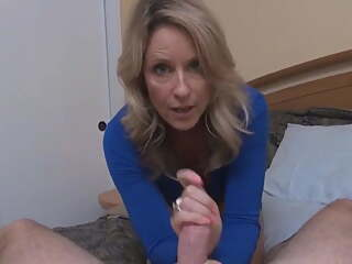 Stepmom gives a good sex lesson in POV