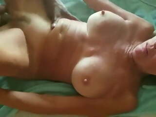 Cougar Wife Gets Black Cock On Summer Vacation