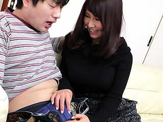 Japanese fuck doll Amiru Kinohara sucks dick, uncensored