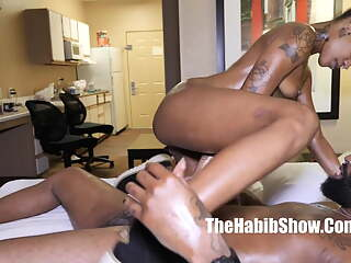 freaky raven swallows, can't handle huge bbc