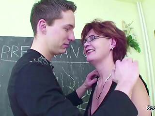 Female MILF Teacher Shows Him how to get Pregnant
