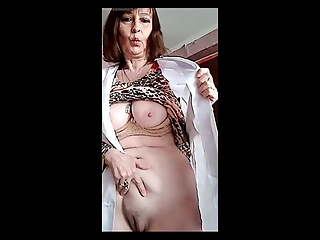 55yo Russian Alisa2909 Gets Nude At Work on Xhamsterlive