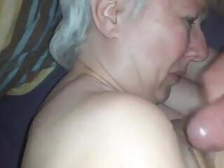 Grandma wants the cum on her tits